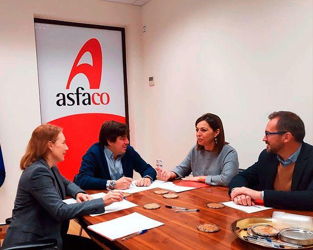 El grupo municipal del PSOE y Asfaco abordan el modelo de desarrollo económico para Córdoba